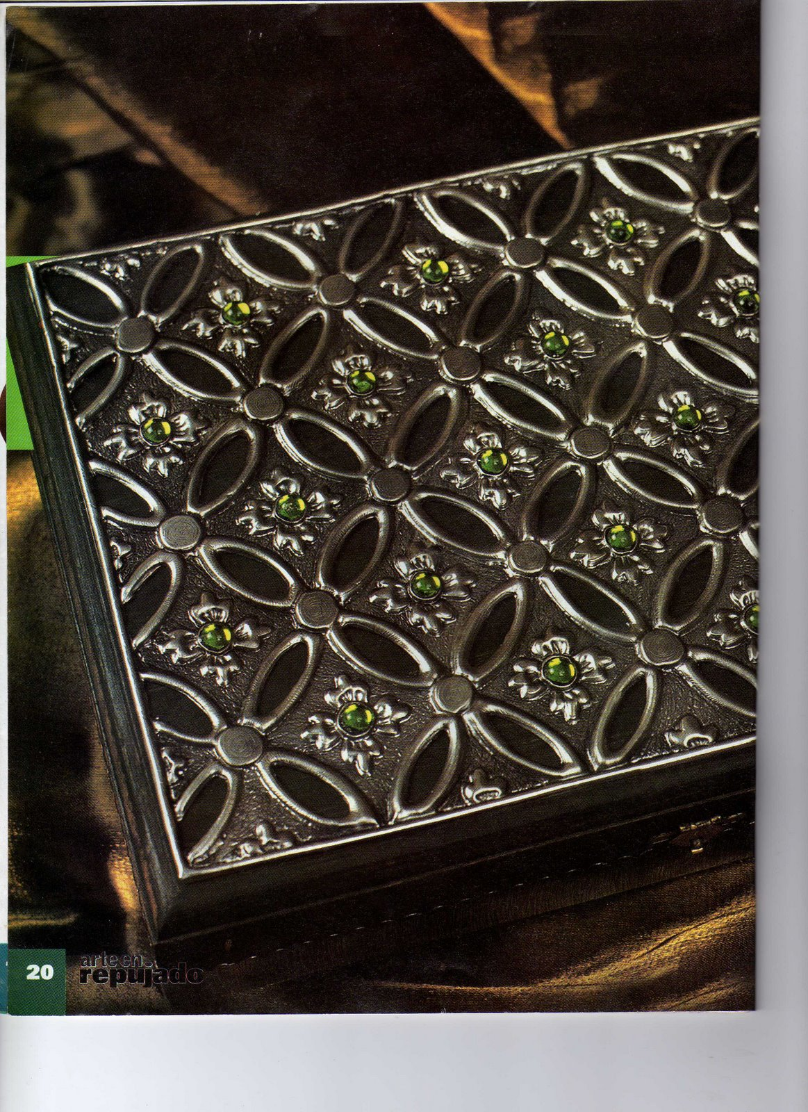 Repujado cajas para todos los usos marcos para fotos for Disenos en aluminio